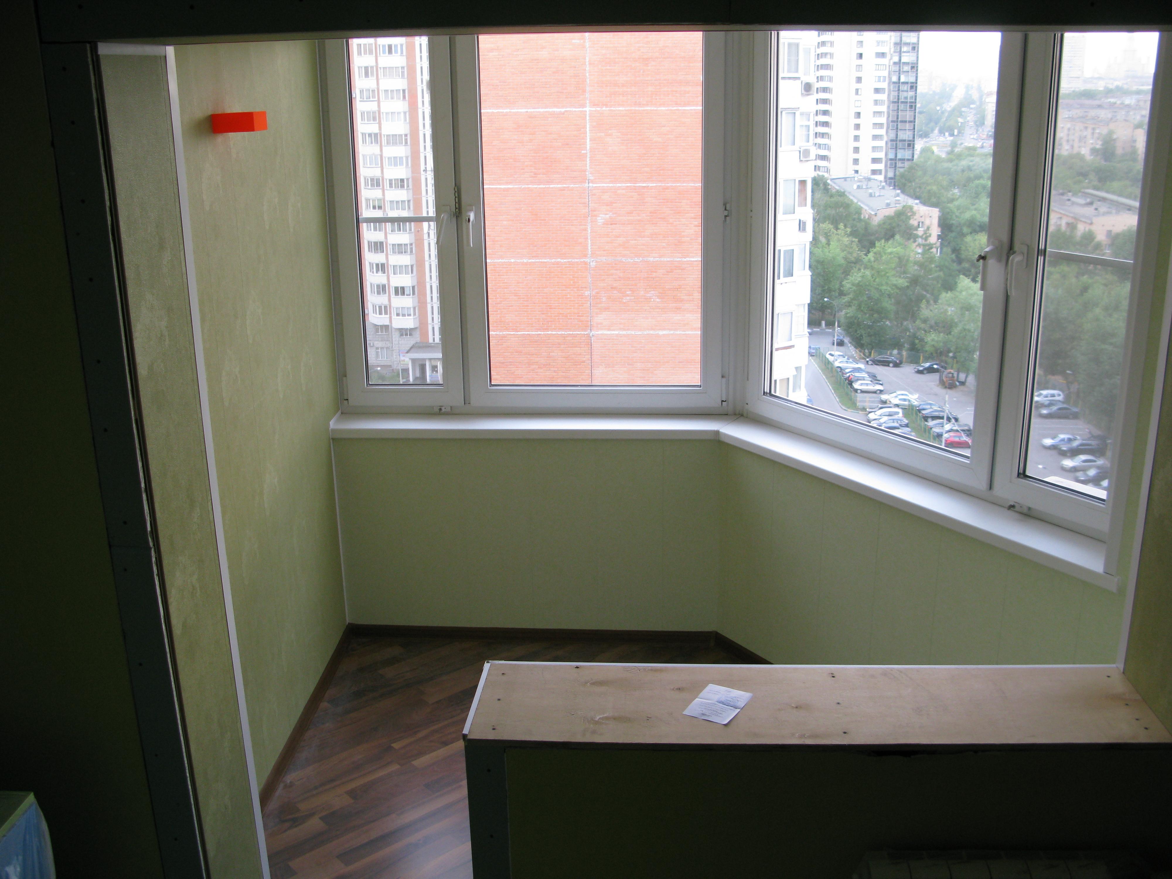 Объединение лоджии с жилым пространством : строительный сезо.